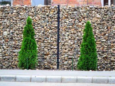Gabiony ogrodzenia gabionowe z siatki i kamienia