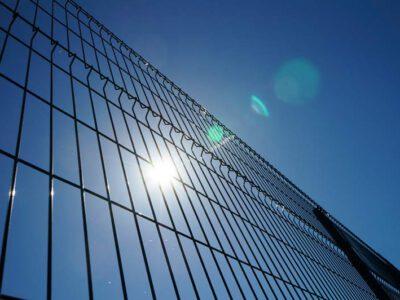 Dlaczego wybrać ogrodzenie panelowe ze stali nierdzewnej